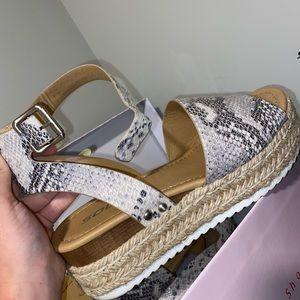platform sandals hardly worn